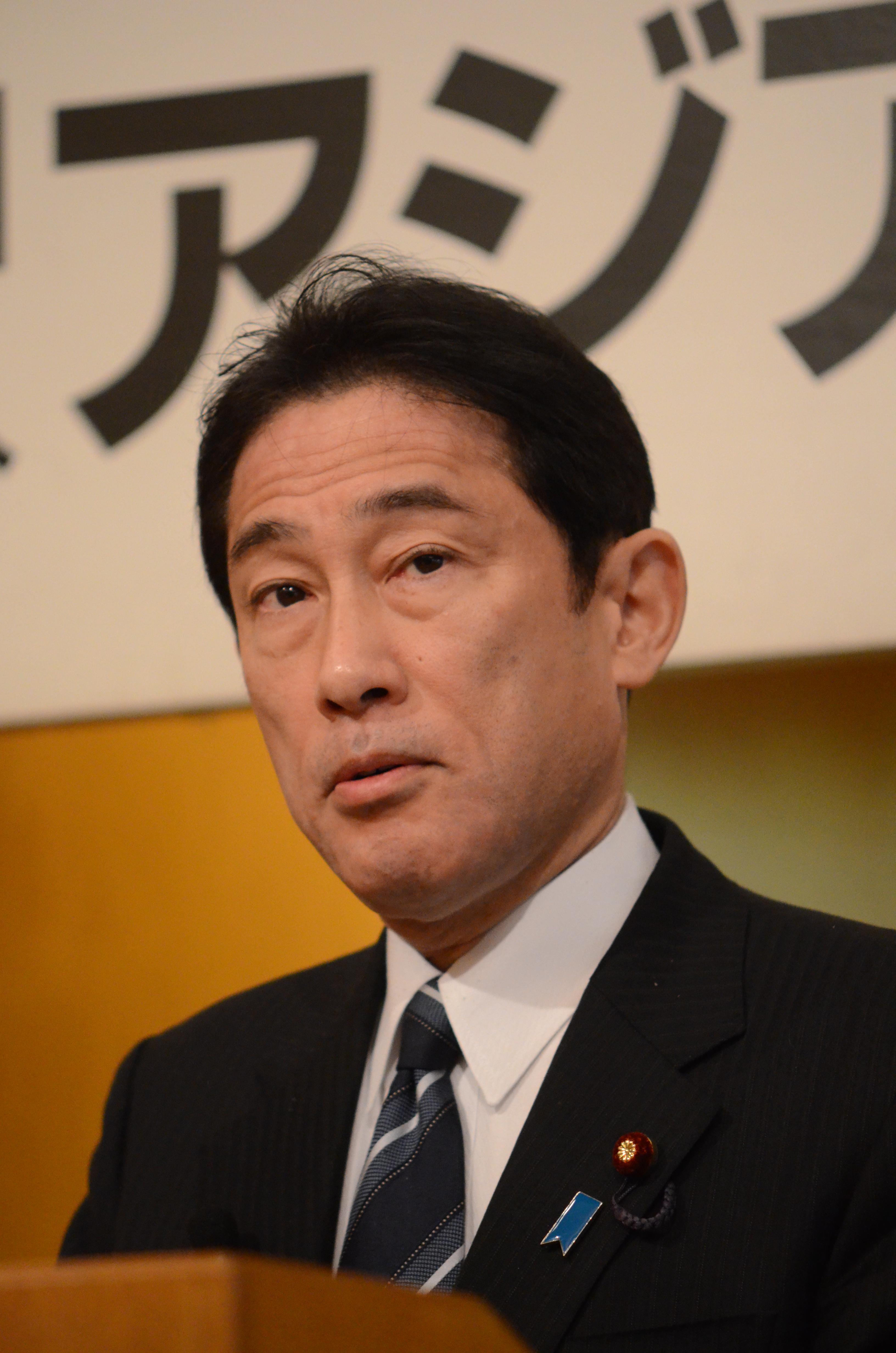 ●岸田氏講演本人.JPG