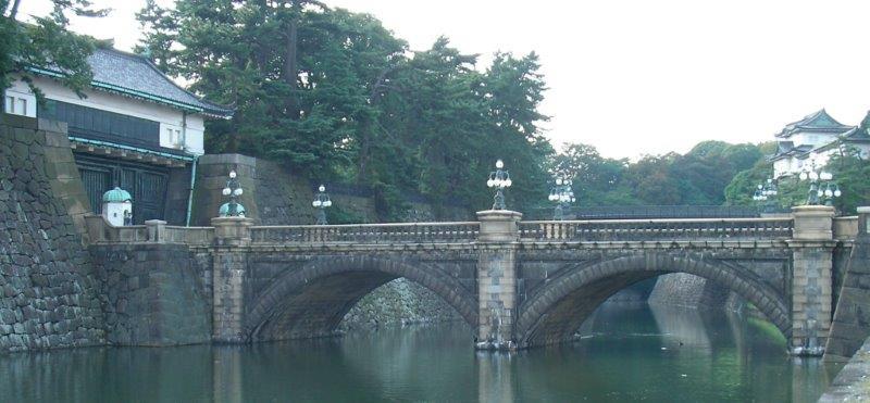 皇居正門石橋 小.jpg